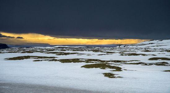 Iceland-25-D-18-03-13-8124-Crop-(Drive-01).jpg