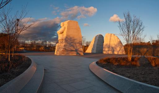 D-12-01-18-6556_61-(MLK-Sunrise).jpg