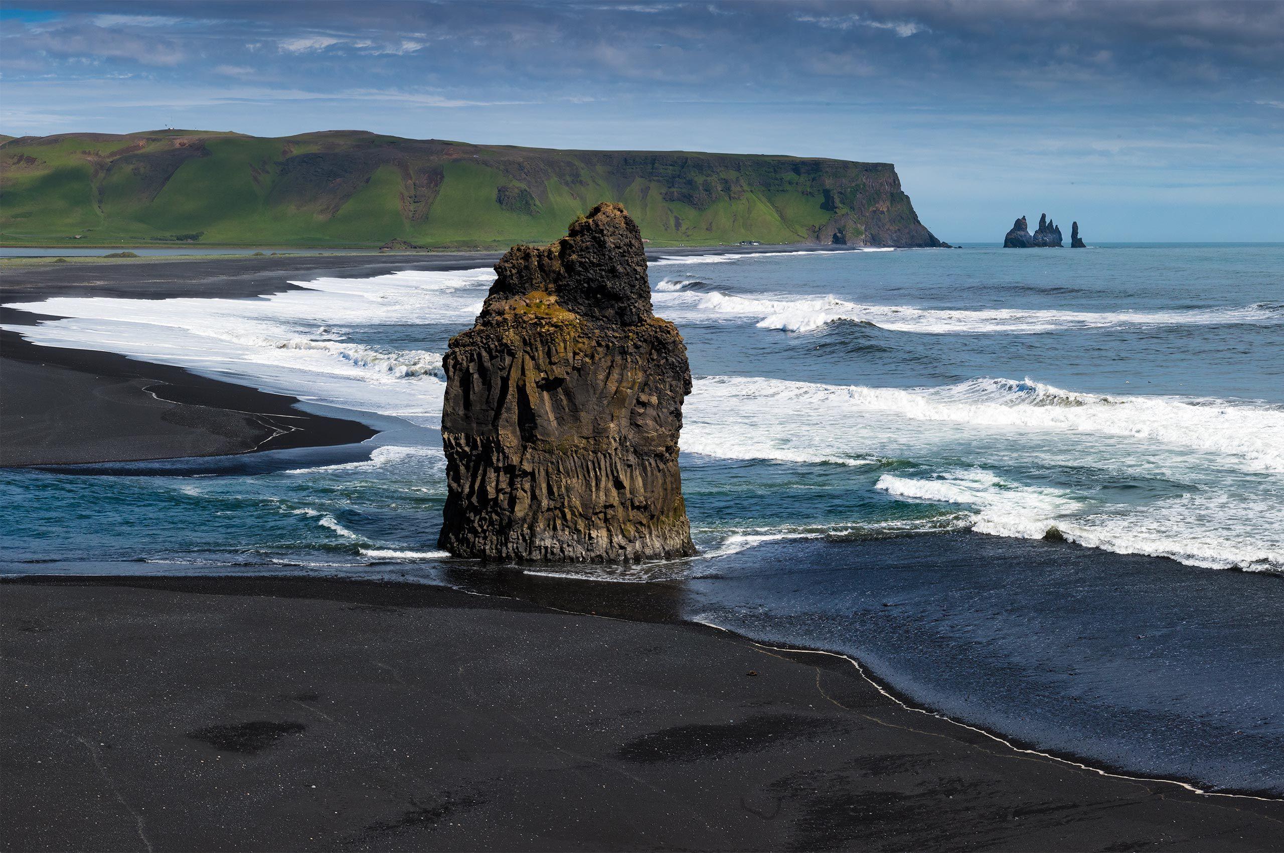 Iceland-20-D-17-06-11-7359_64-Pano-(Reynisdrangar).jpg