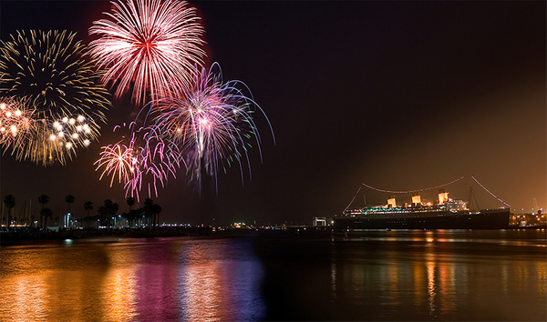 jShoemaker_Queen_Mary_Fireworks.jpg