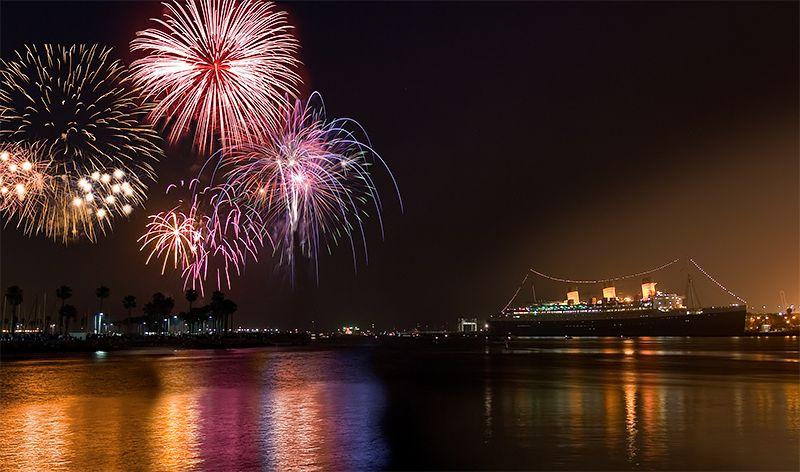 jShoemaker_Queen_Mary_Fireworks.jpg