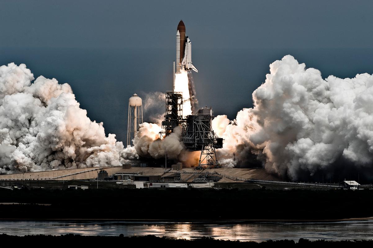 STS125_Launch©Msoluri_ATW9183.jpg