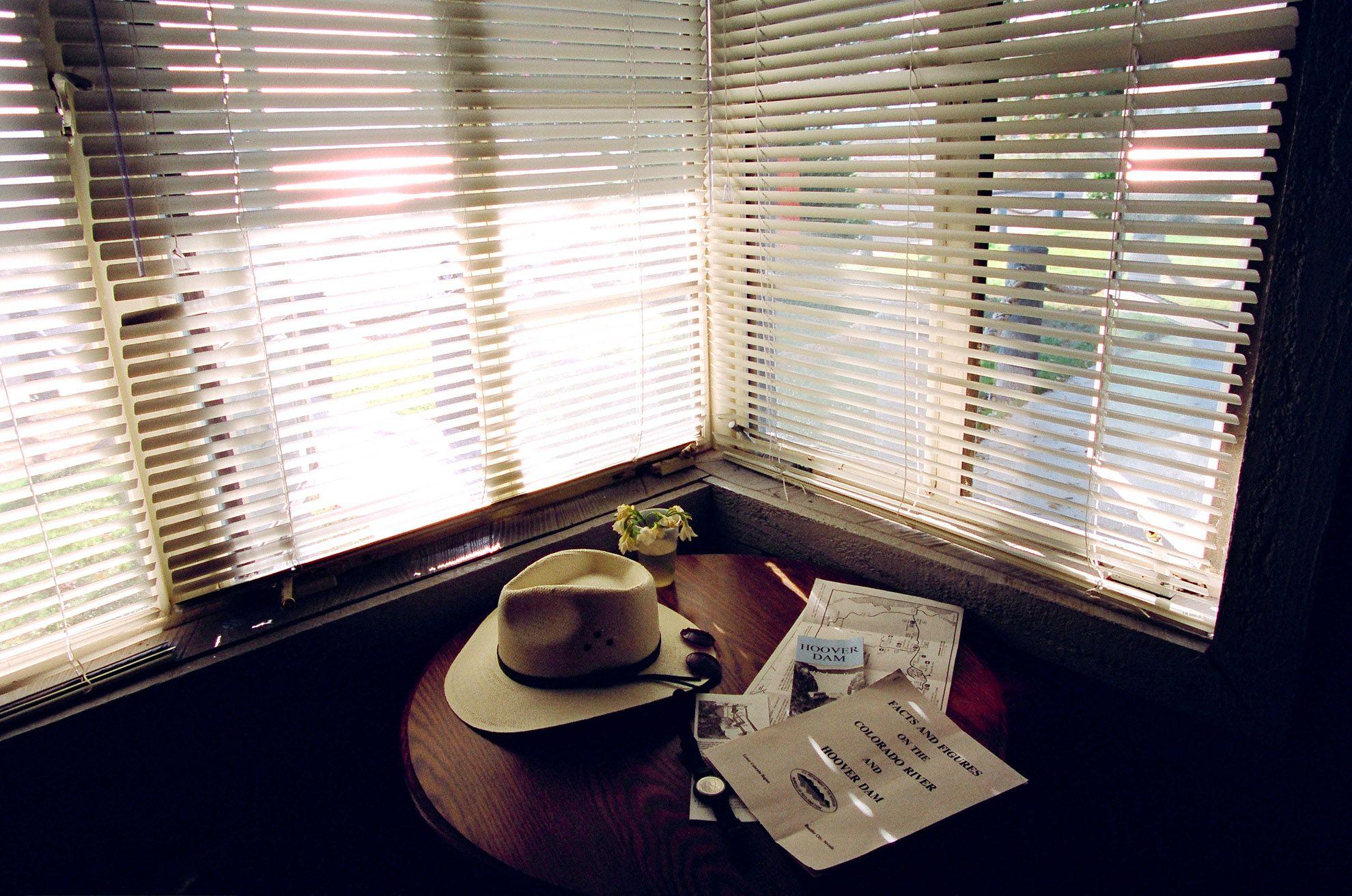 window hooverdamCrvs.jpg