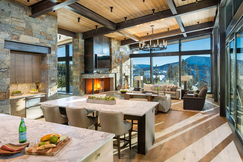 Great room with mountain views