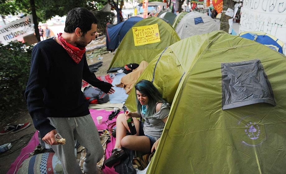Camping Gezi Park protestors sleep before police raid on Taksim Square