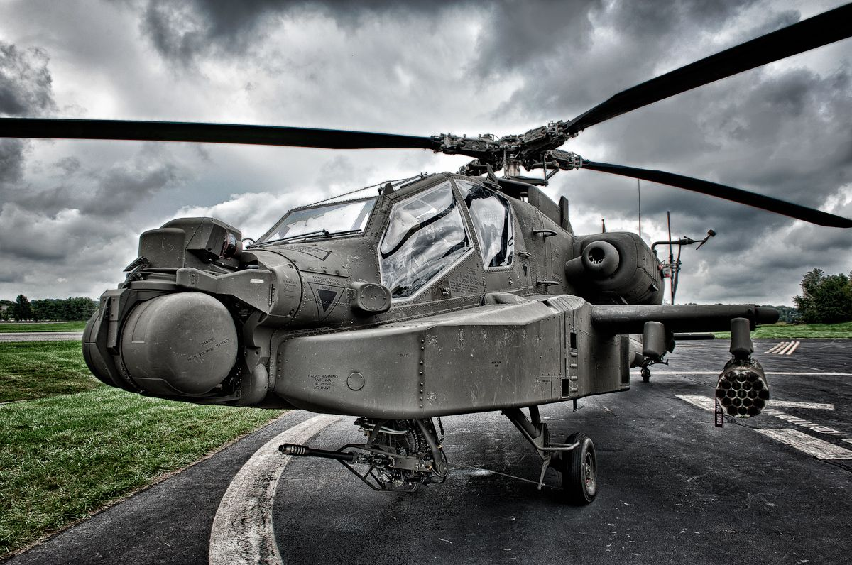 1ah_64_apache_attack_helicopter.jpg