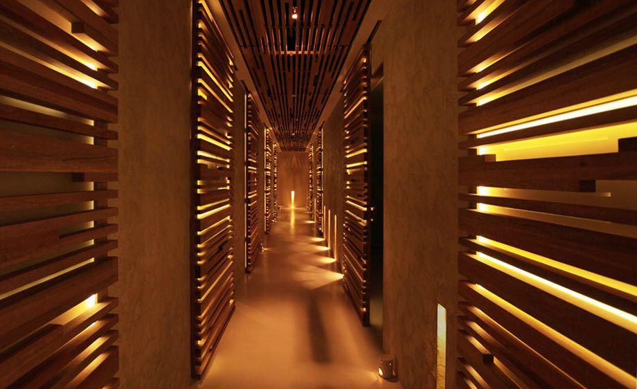 HV,   Dubai