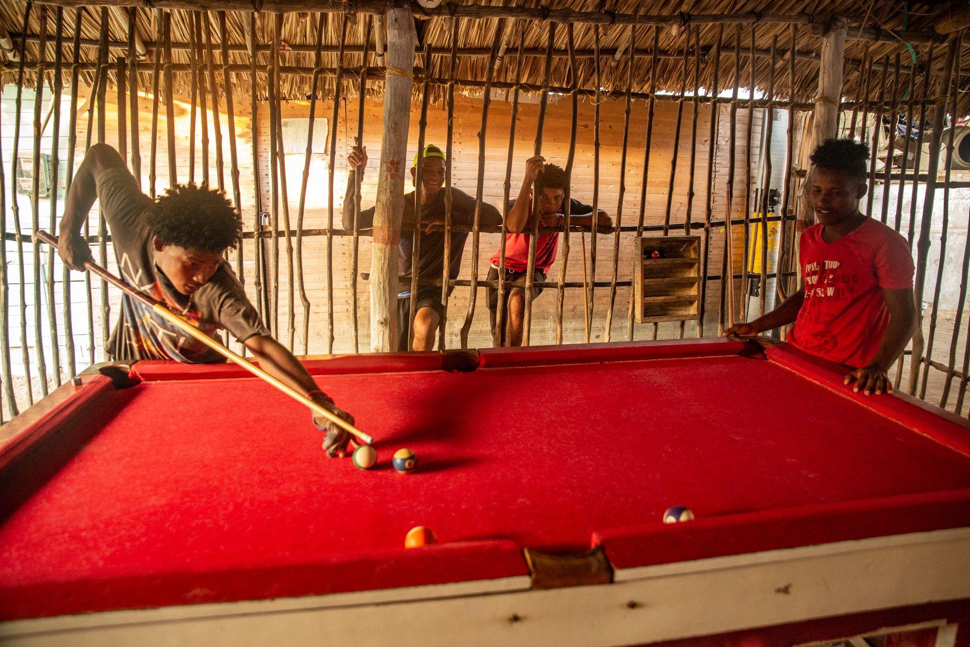 Pool Game, Isla Mucura, Colombia