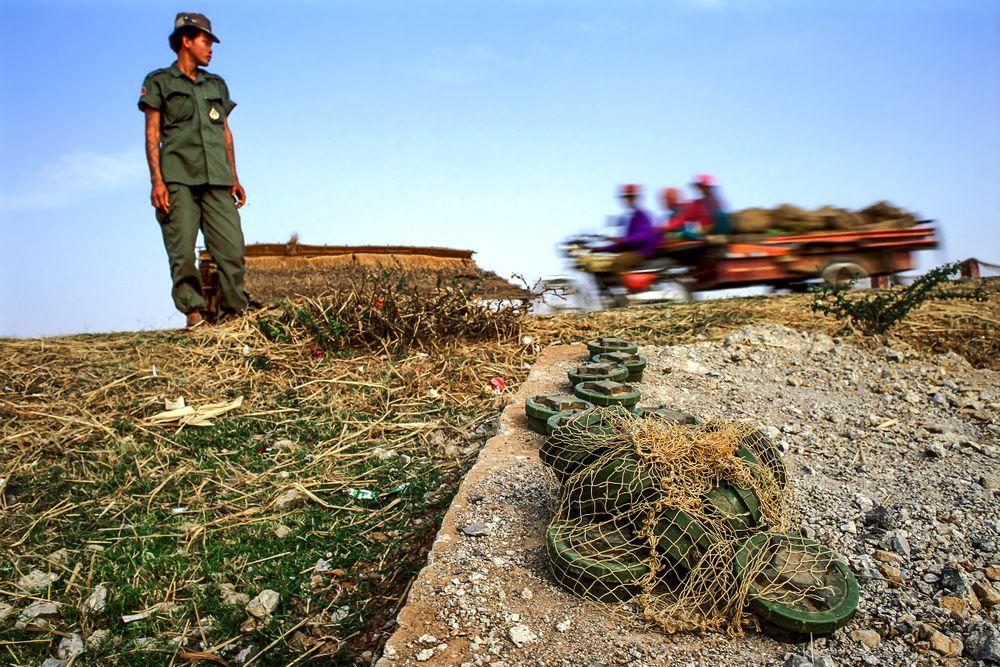 landmines.cambodia_01-3 copy.jpg