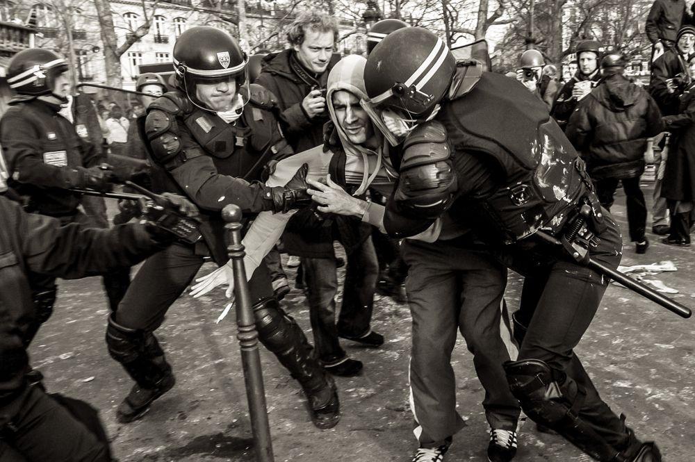 protests.france__02.jpg