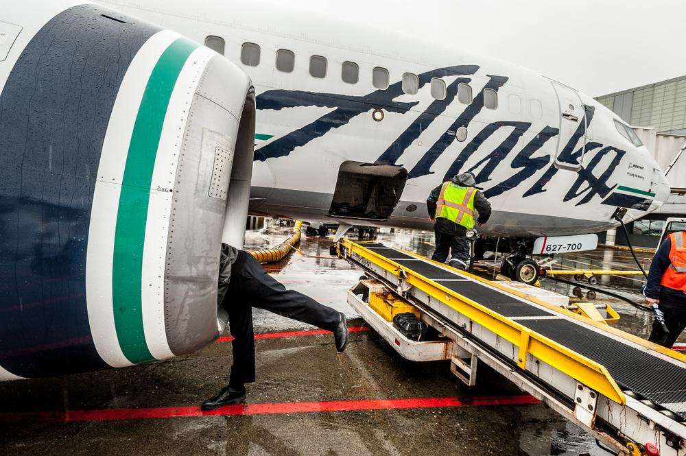 Alaska Airlines 737