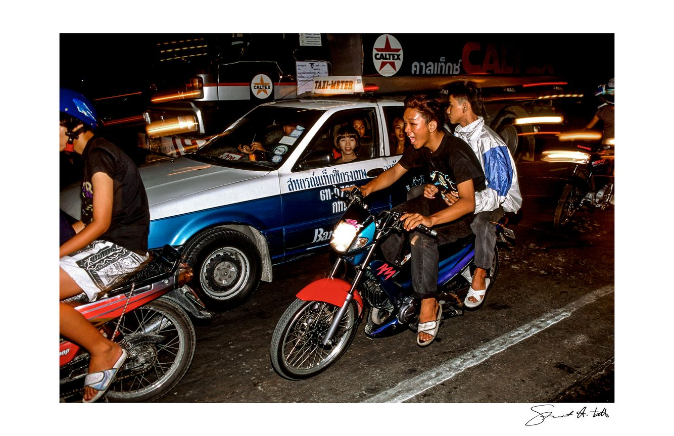 Lightroom (bangkok.flies_02.jpg).jpg