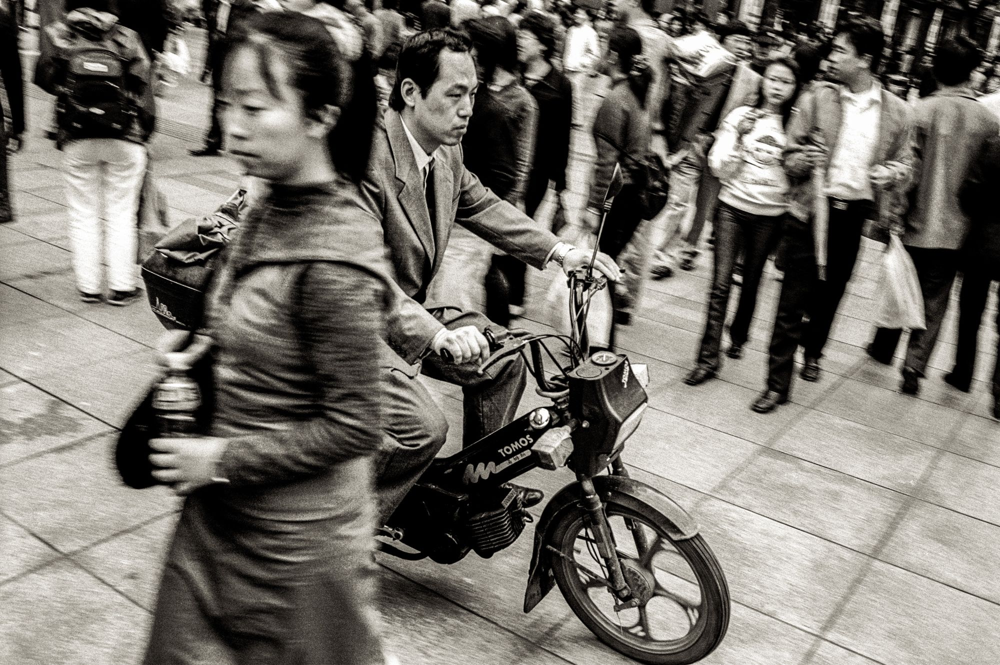 china.bw_011 copy.jpg