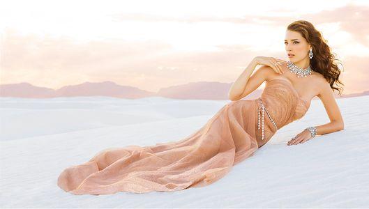 Bridal Girl in Desert - Engagement Photographer Los Angeles