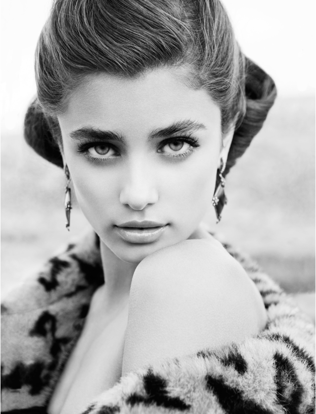 Taylor Hill Black and White