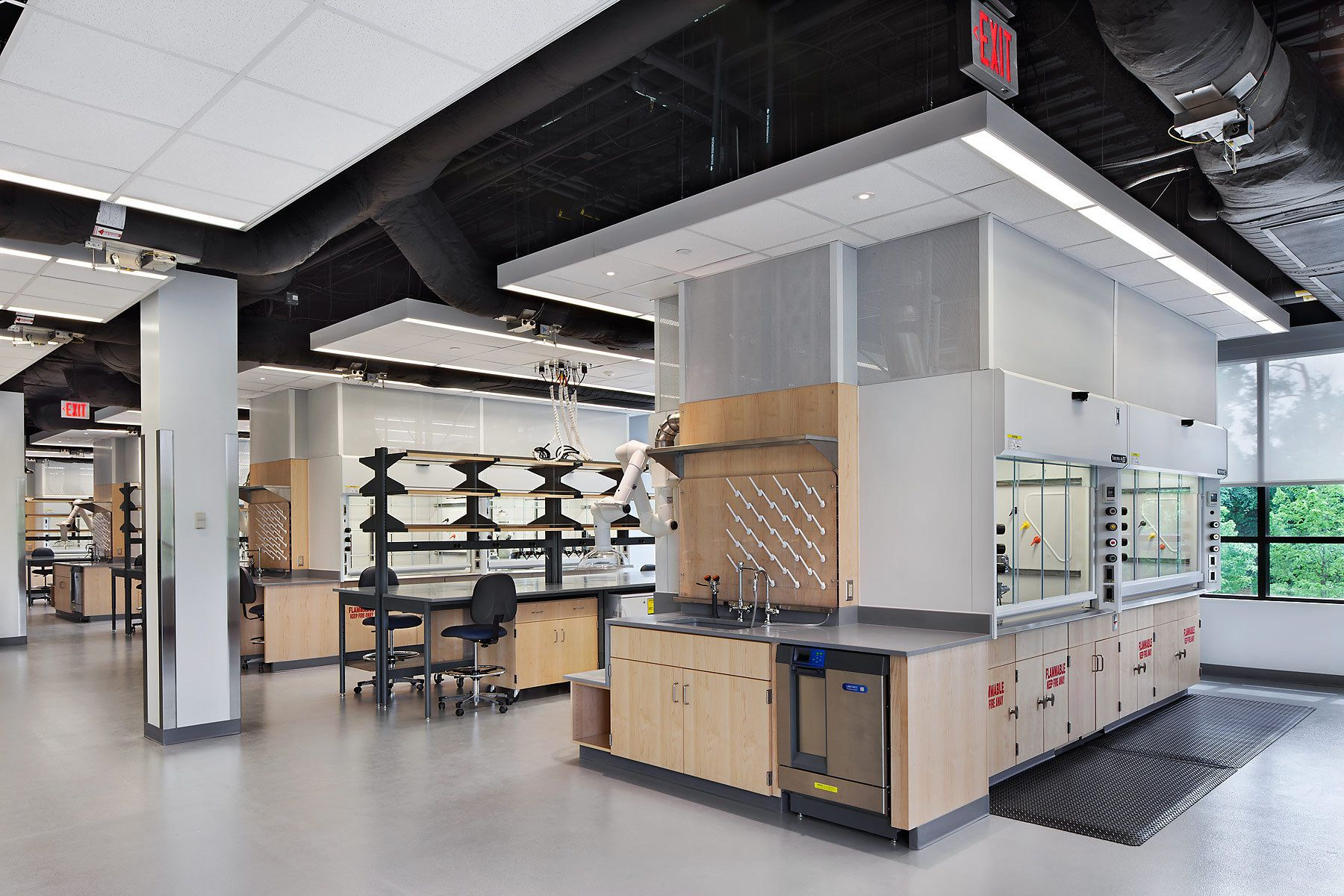 Vanderbilt Center for Neuroscience Drug Discovery Laboratory | Cool Springs Life Science Center | Franklin, TNArchitect - Blair + Mui Dowd Architects, PCGeneral Contractor - Brasfield & Gorrie