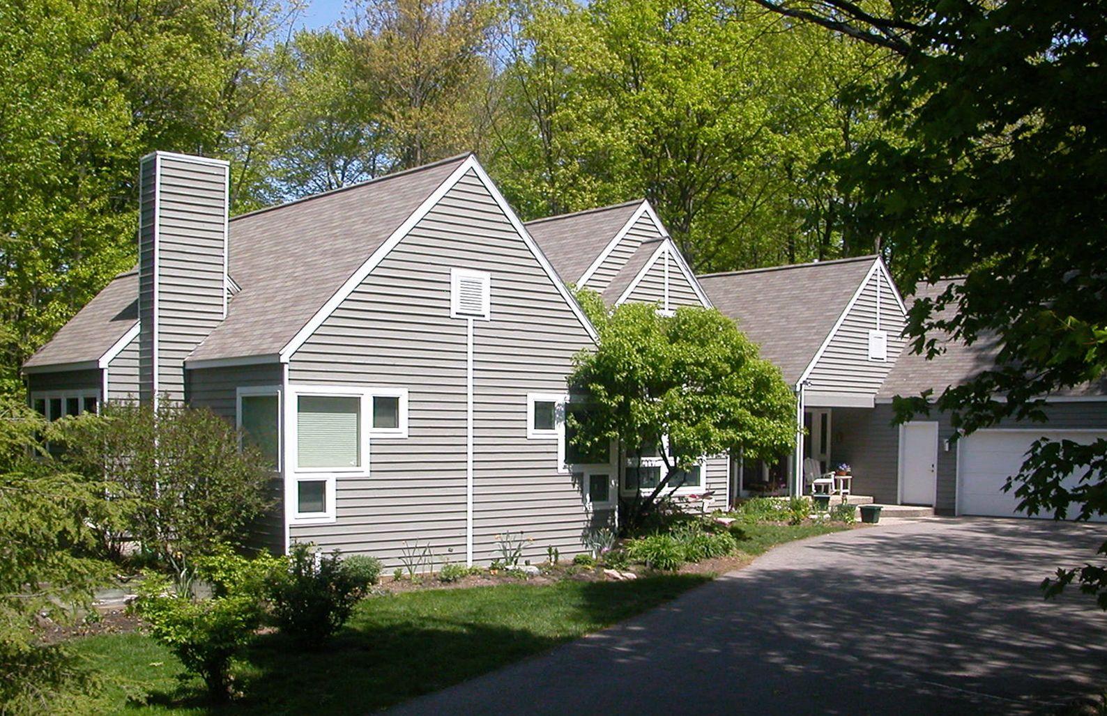 Harris House - Exterior Front . Elevate Studio: Architect of Record.jpg