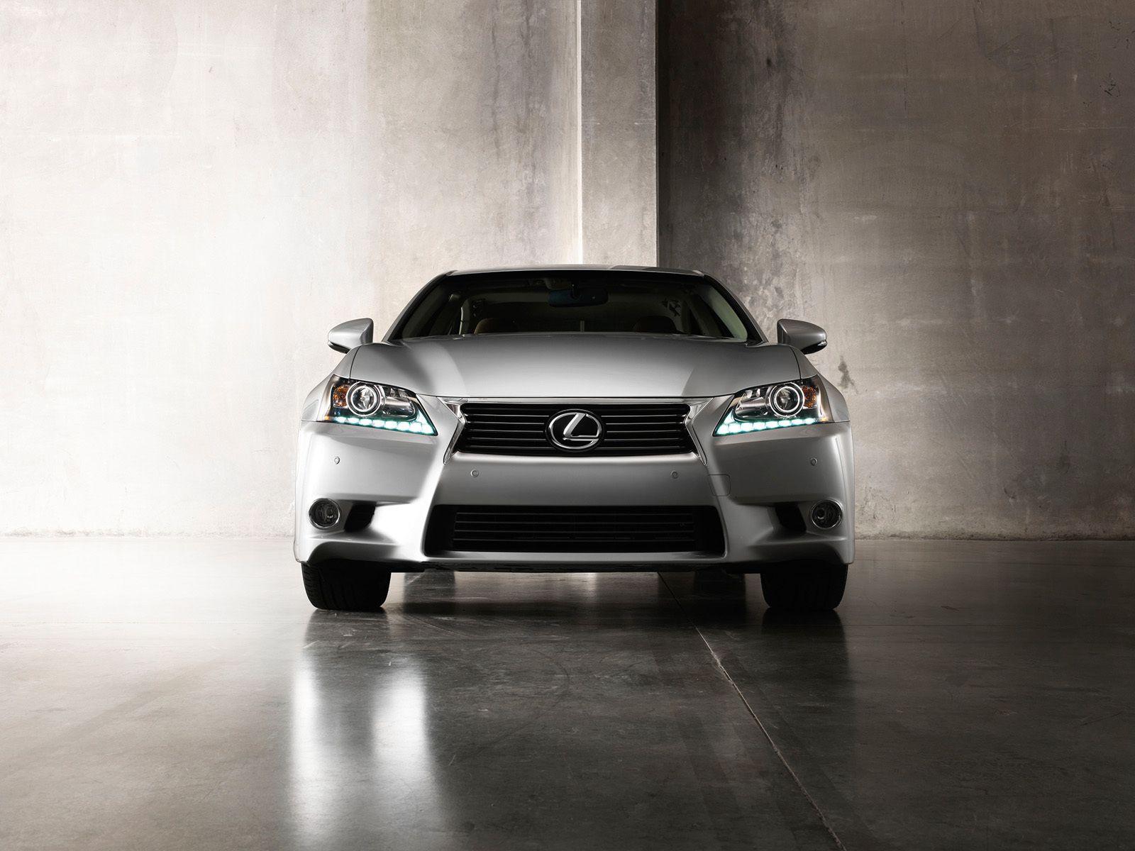 Lexus GS Front