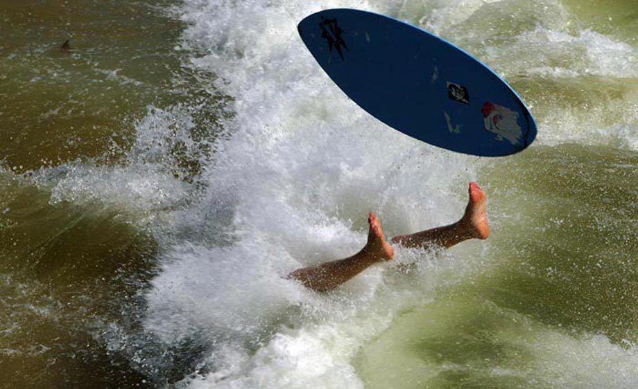 SURFERS FEET
