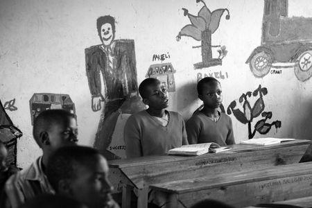 1school_children_uganda_040316_12_web.jpg