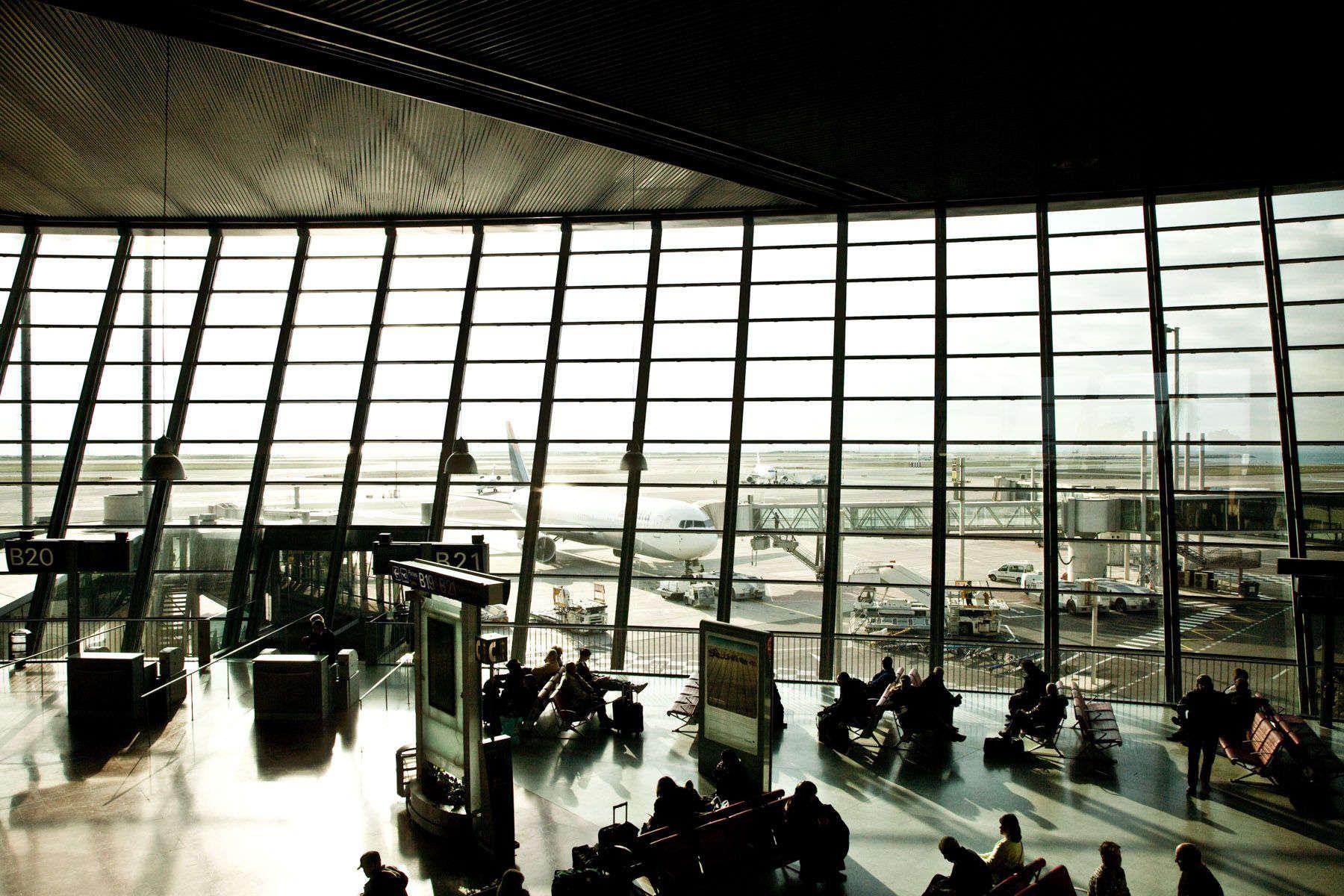 1nice_airport_hero2