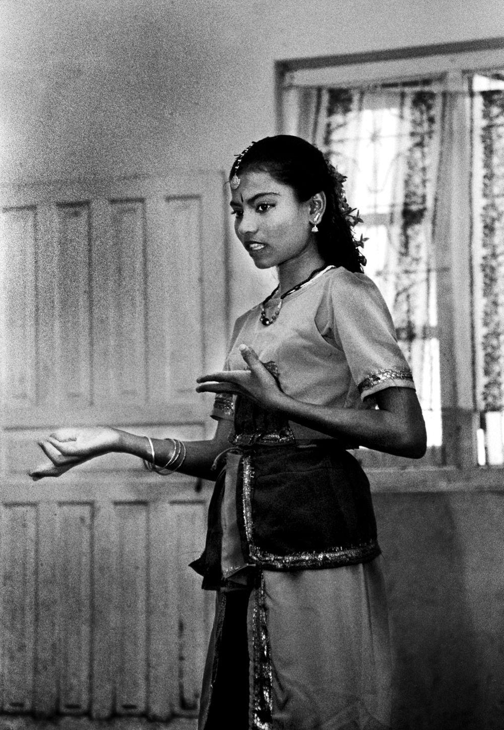 1dancersrilanka2.jpg