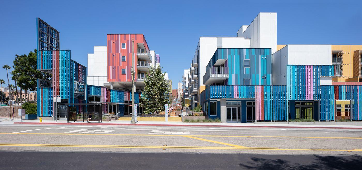 Collins Morley LA Plaza 2019_08_01-9426-9427.jpg