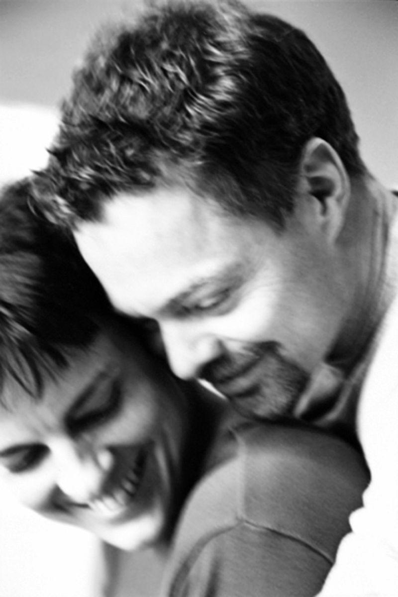 12_1renzi_hawkens_hugging_j.jpg