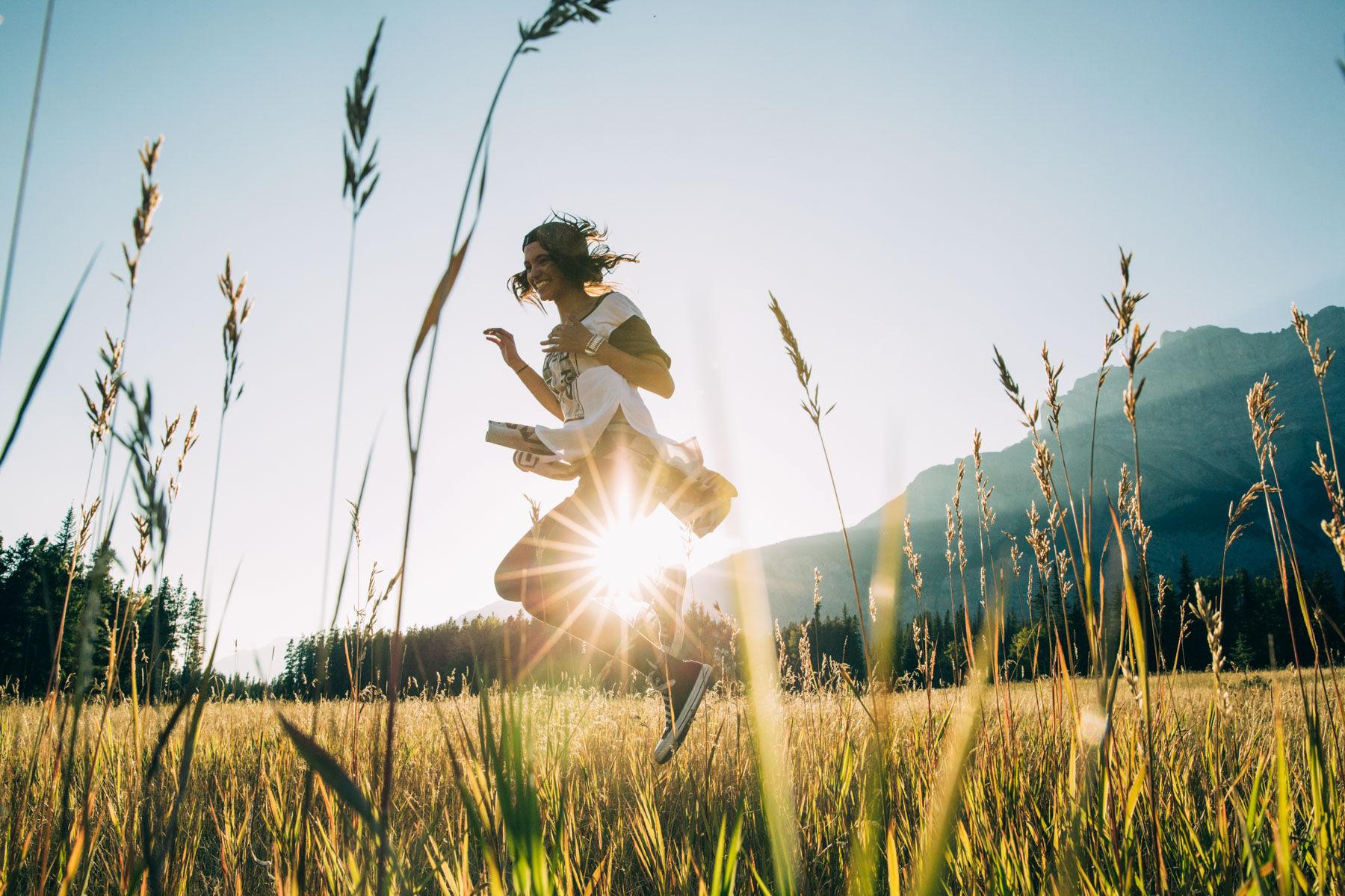 Tammara Diaz, Dancing in a field