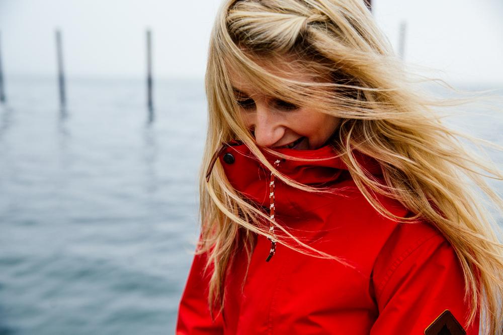 Anna, Wind in her hair