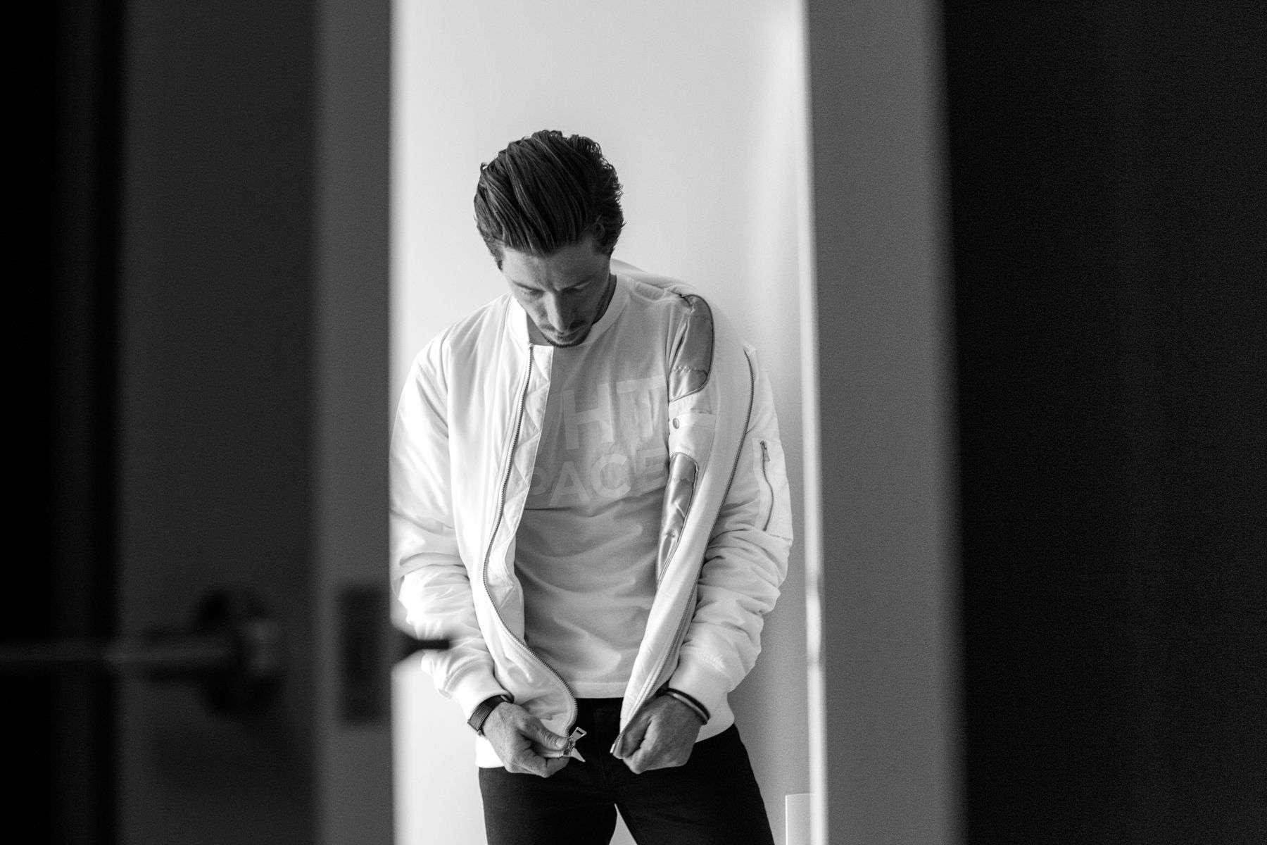 Shaun White, Home