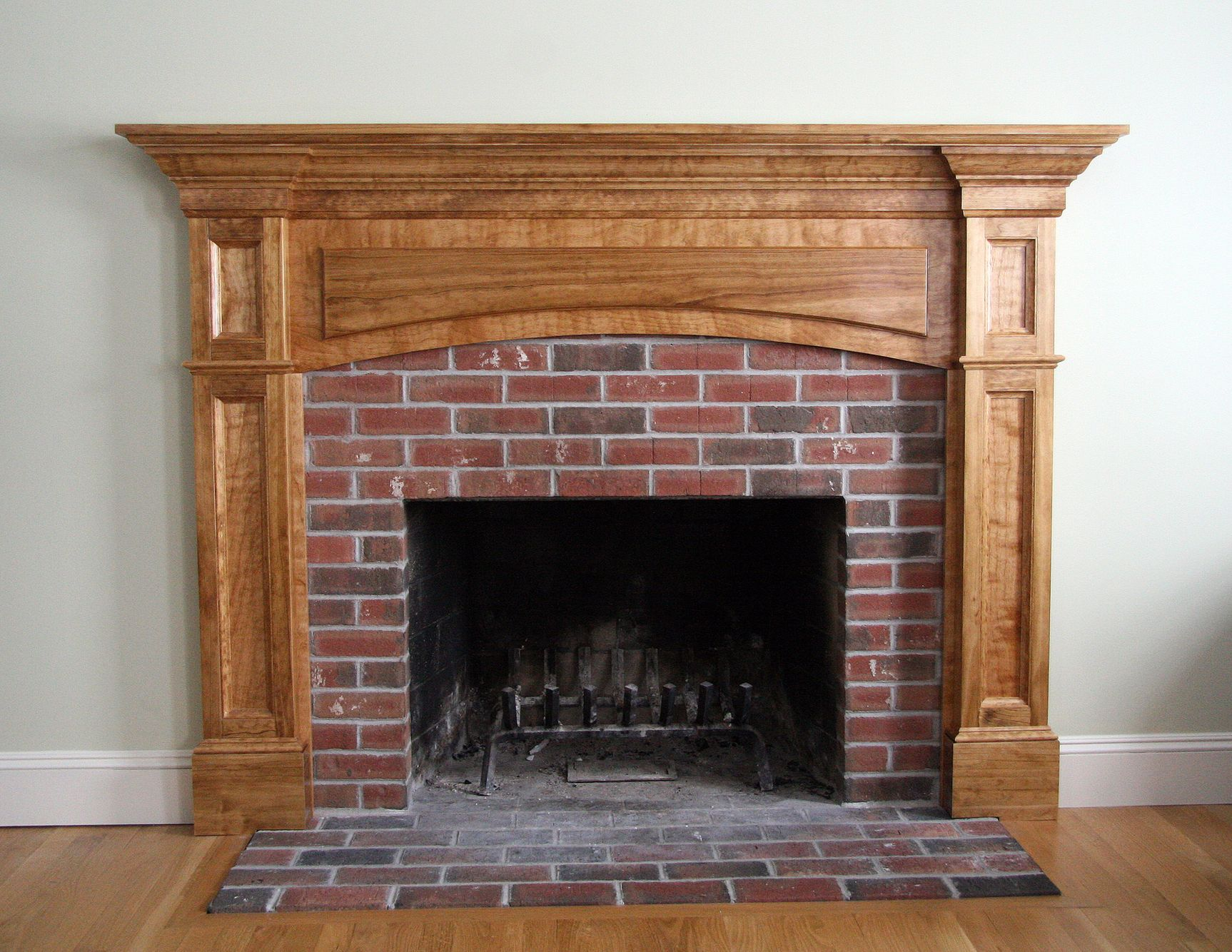 Hogan Mantel copy.jpg
