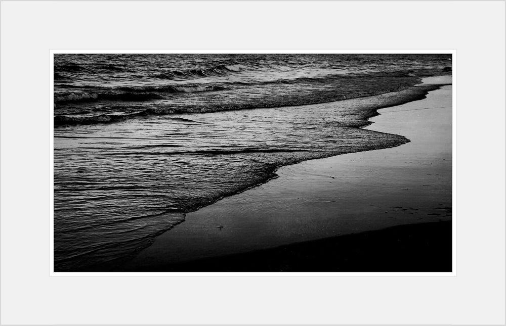 Shoreline tide.