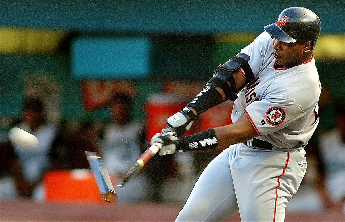 Barry Bonds' rare broken bat home run.