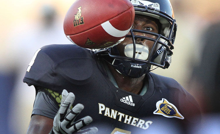 FIU wide receiver, T.Y. Hilton makes the catch.