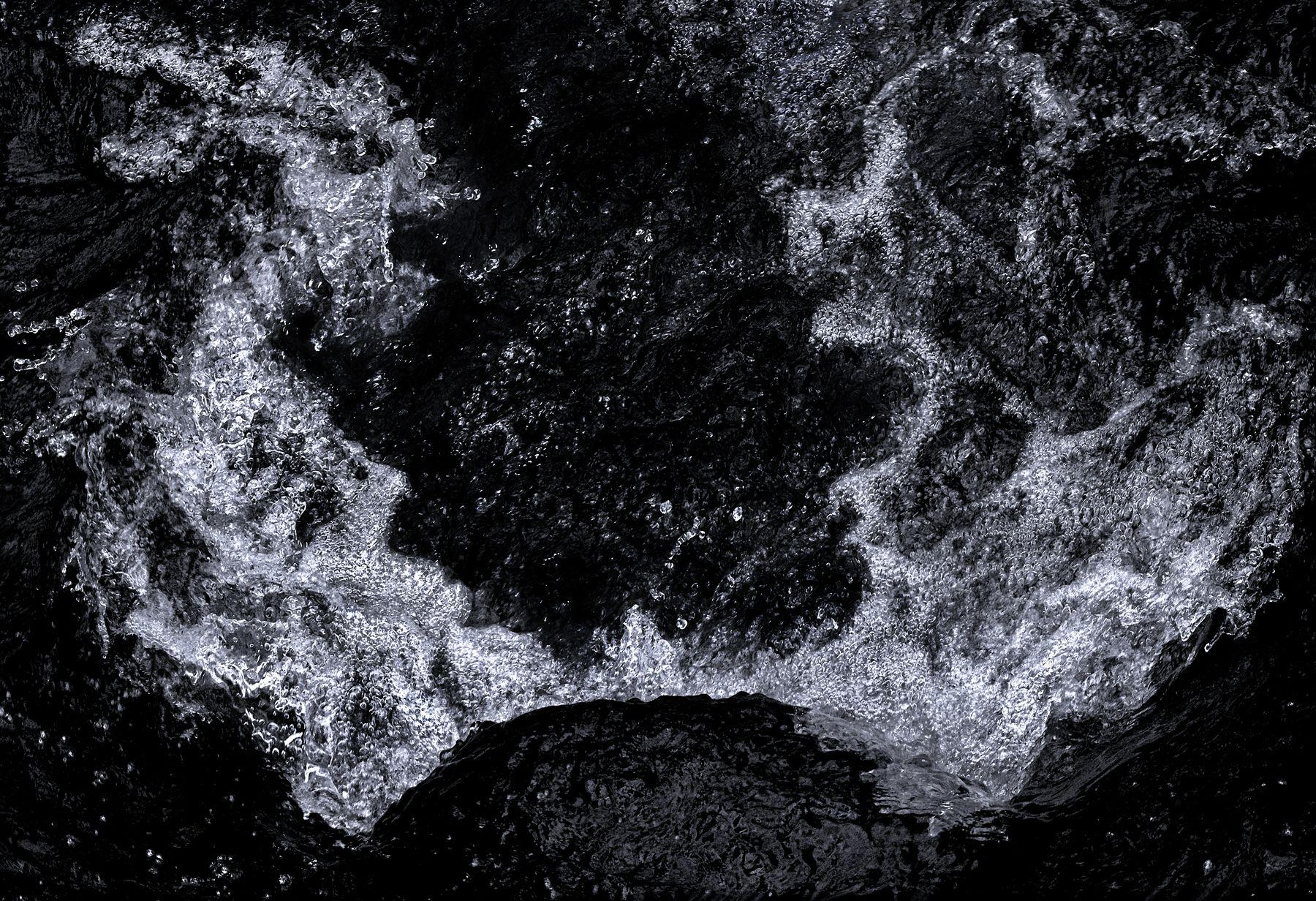 Light Stream Series 4 #2 ©2020 L. Aviva Diamond
