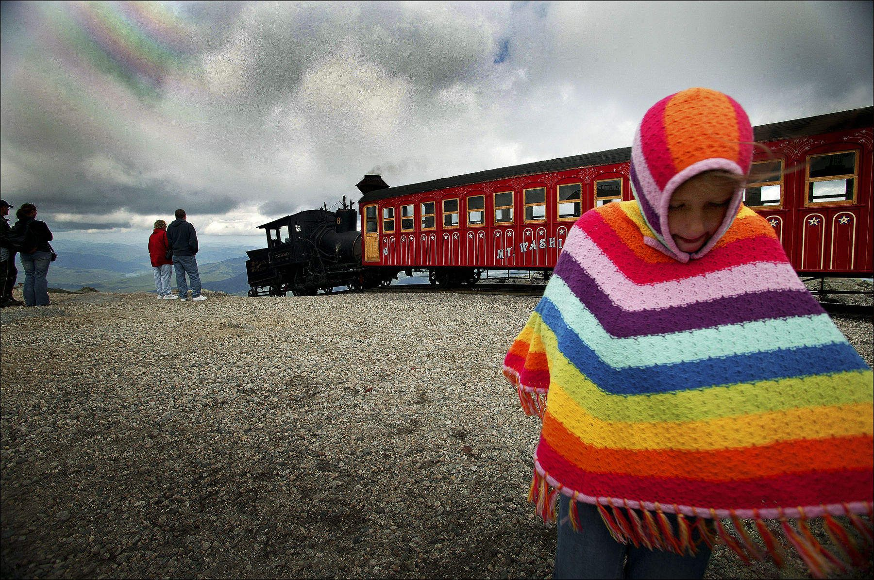 1cog_train_with_girl_100_6372.jpg