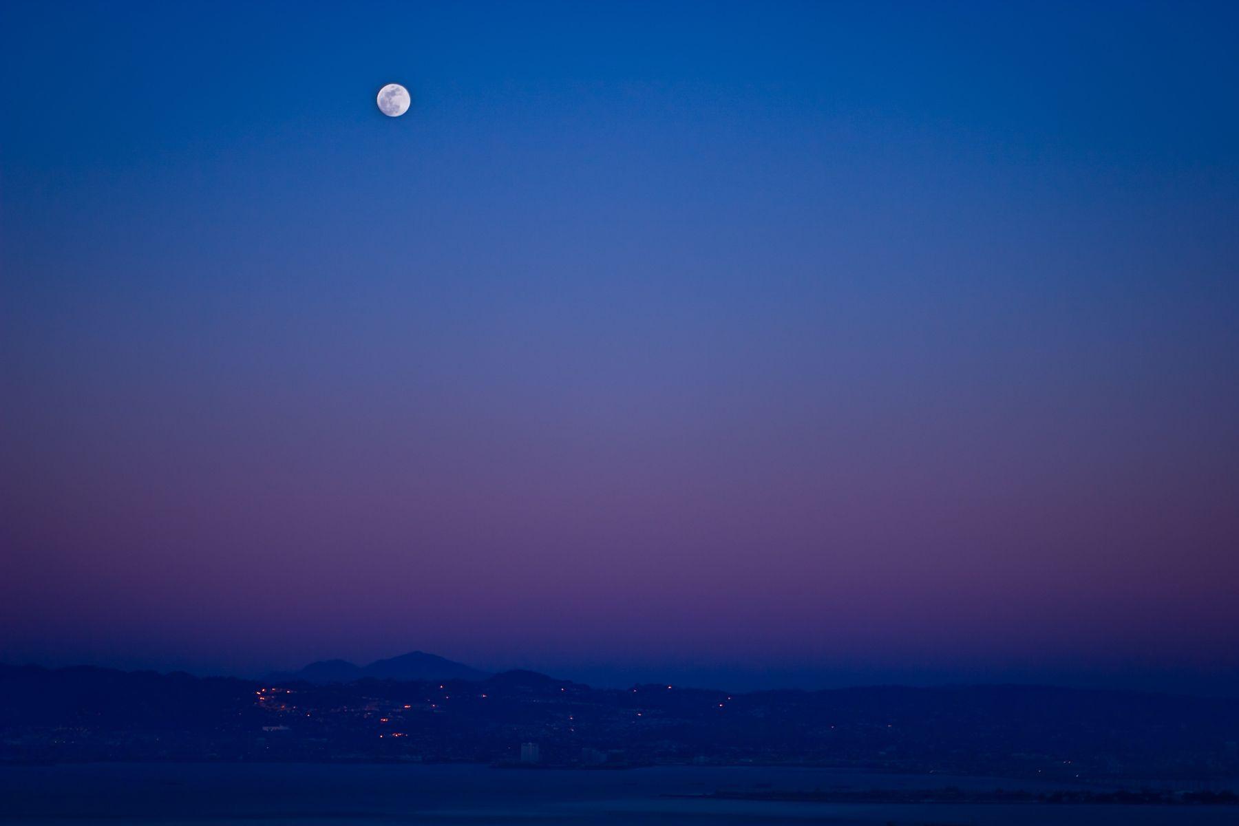 Berkeley Moon, CA