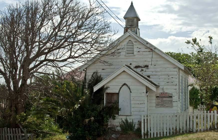 102a_weathered_white_chapel