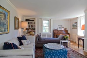 Old Greenwich AntiqueLiving room