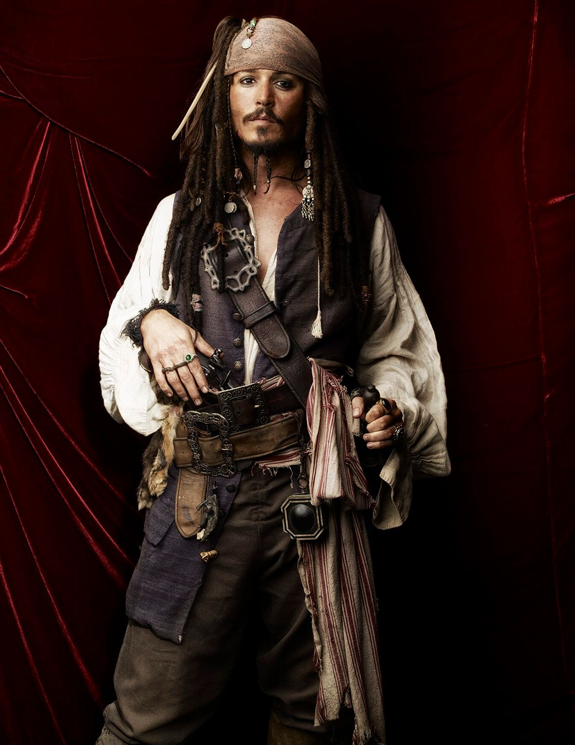 JOHNNY DEPP • PIRATES OF THE CARIBBEAN • AT WORLD'S END