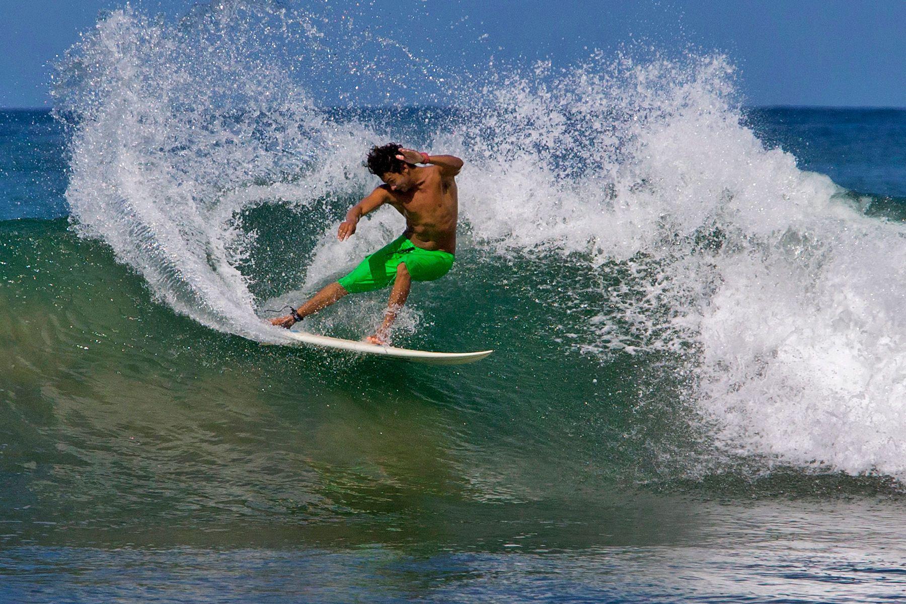 1costa_rica_surf_0002.jpg