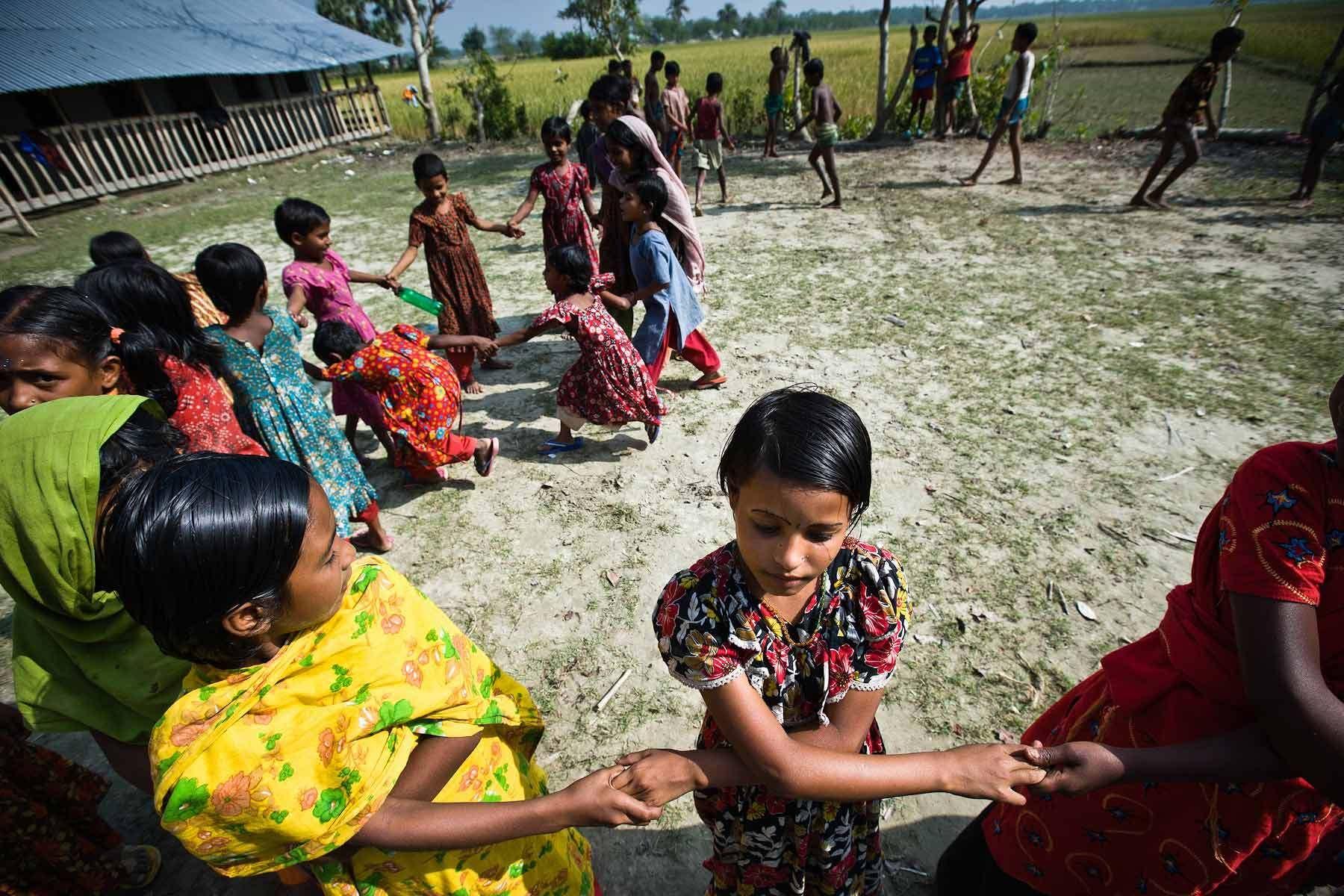 1006bangladesh_cyclone_recovery.jpg