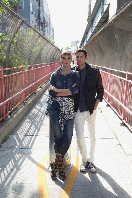 1jnc_couple_on_bridgelb.jpg
