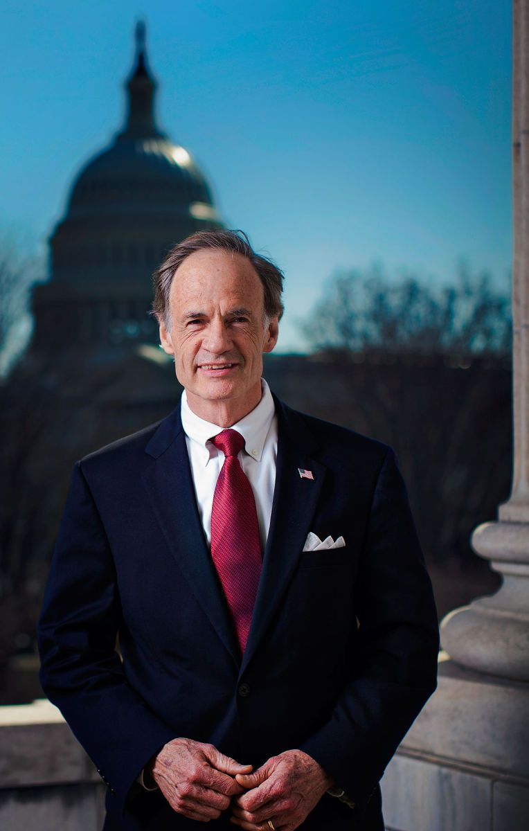 1r26___2799___us_senator_tom_carper.jpg