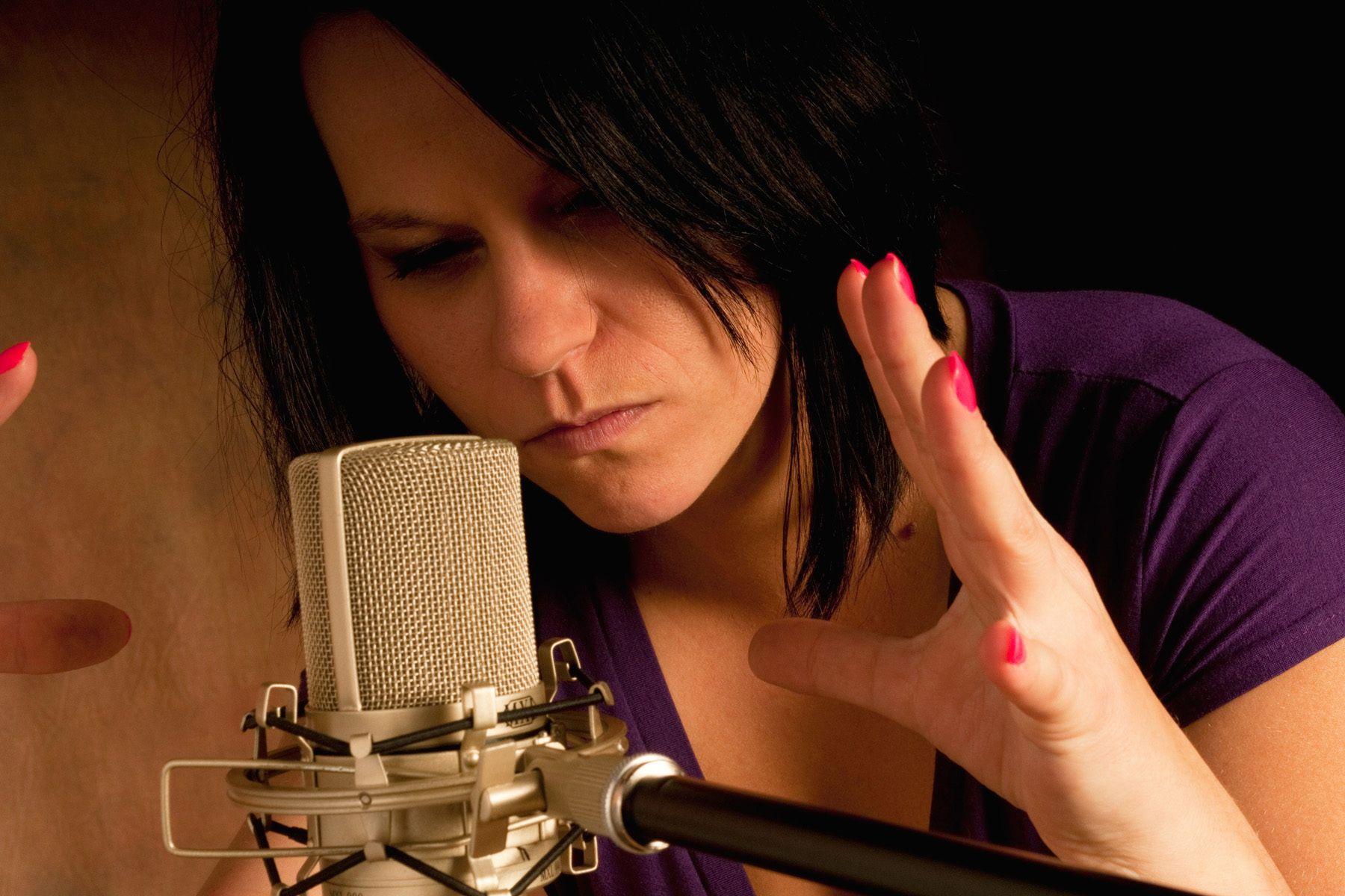 Brie Webster,Singer,