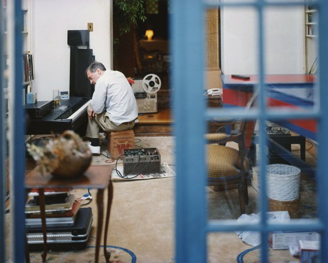 Memphis, Tennessee :: Photographer William Eggleston in his music room
