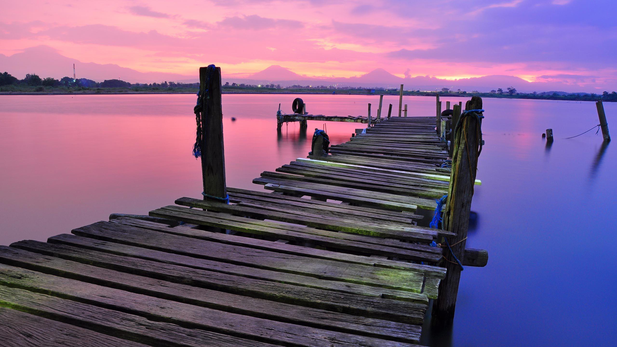 Dock_2560x1440.jpg
