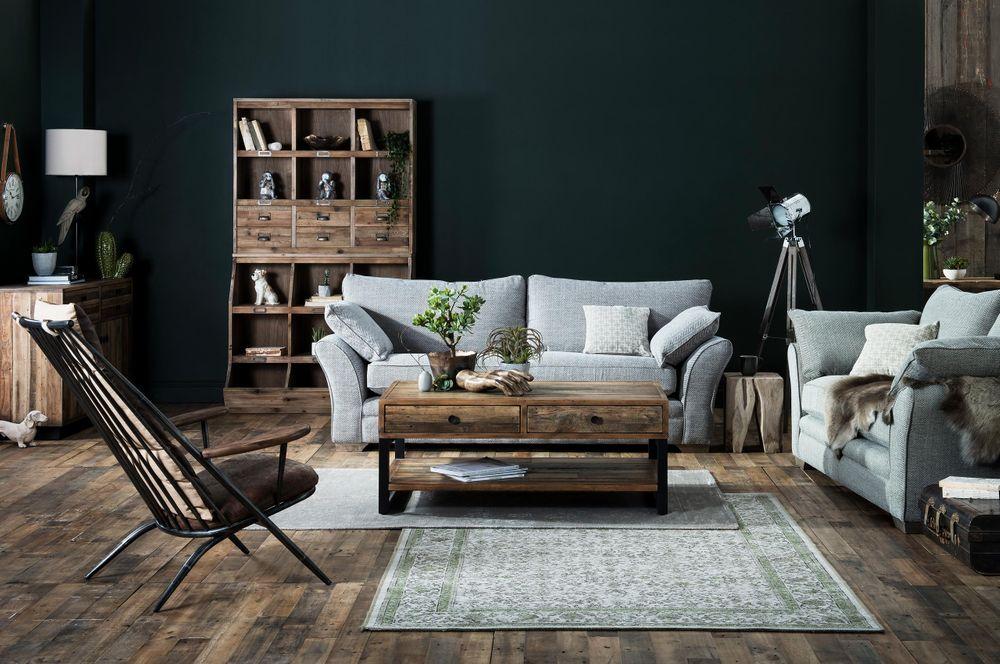 Caseys_Furniture_09_11_176584.jpg