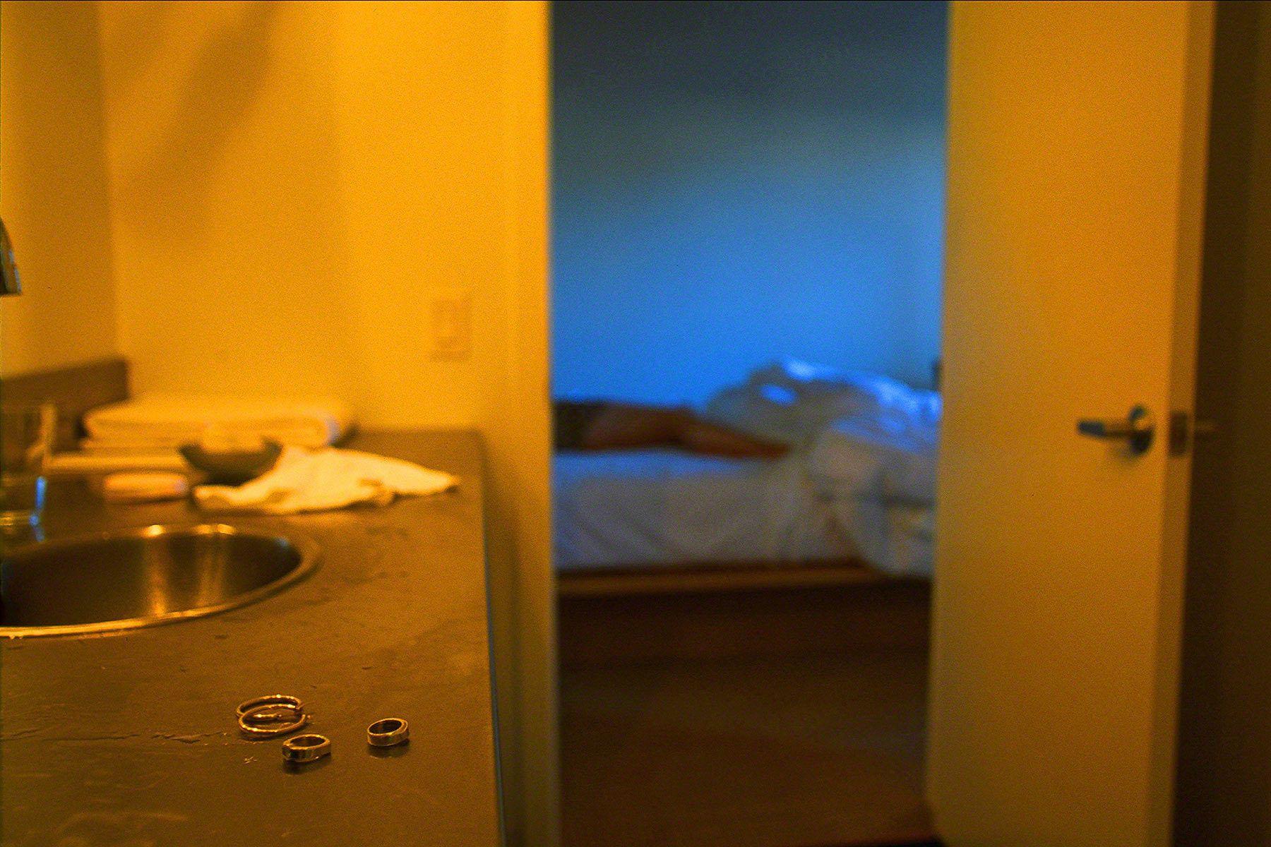 1two_hotels_woman.jpg